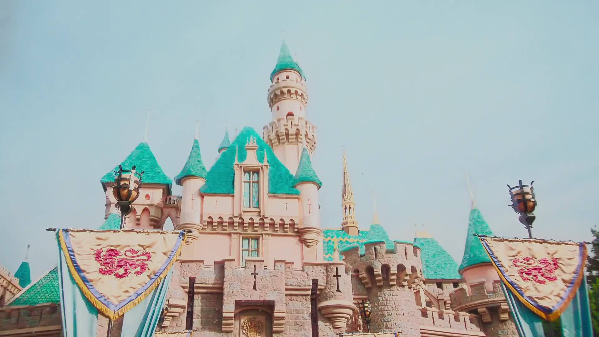 A Day At The Magic Kingdom TiltShift Video Disney Parks - The 12 best disneyland attractions for your little princess