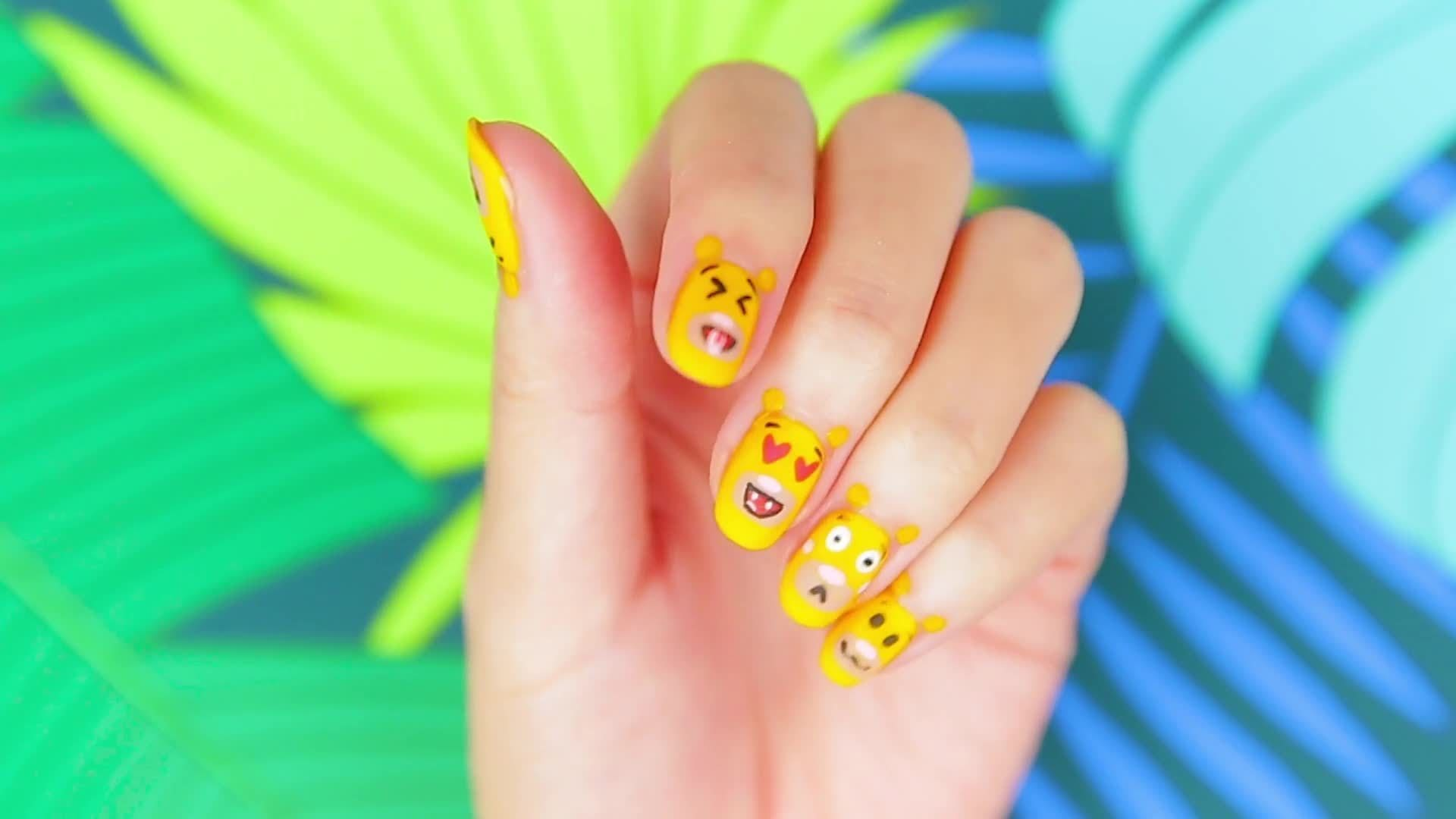 Simba Emoji Nails with Steph Stone | TIPS | Disney Style