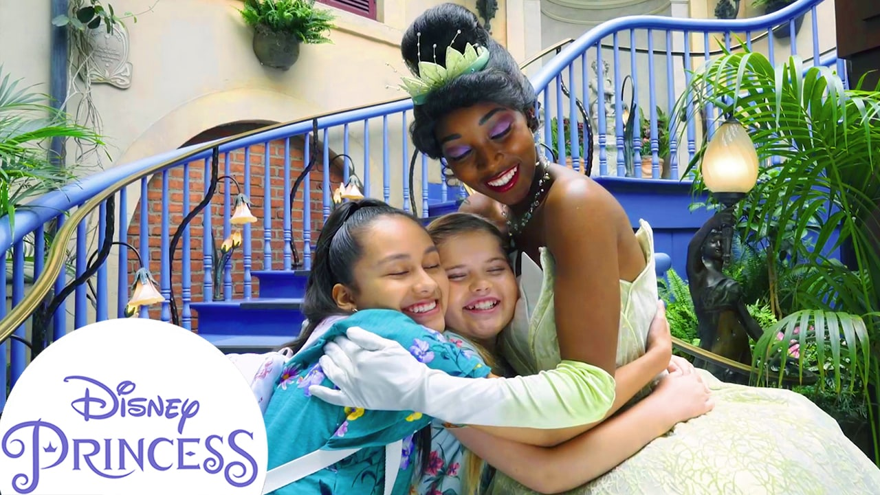 Asking Tiana Questions at Disneyland! | Disney Princess