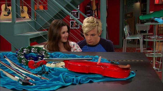 """Trash Talka"" - Austin e Ally"