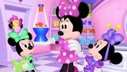 Minnie's Makeover Madness