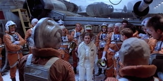 Leia Briefs Pilots on Hoth