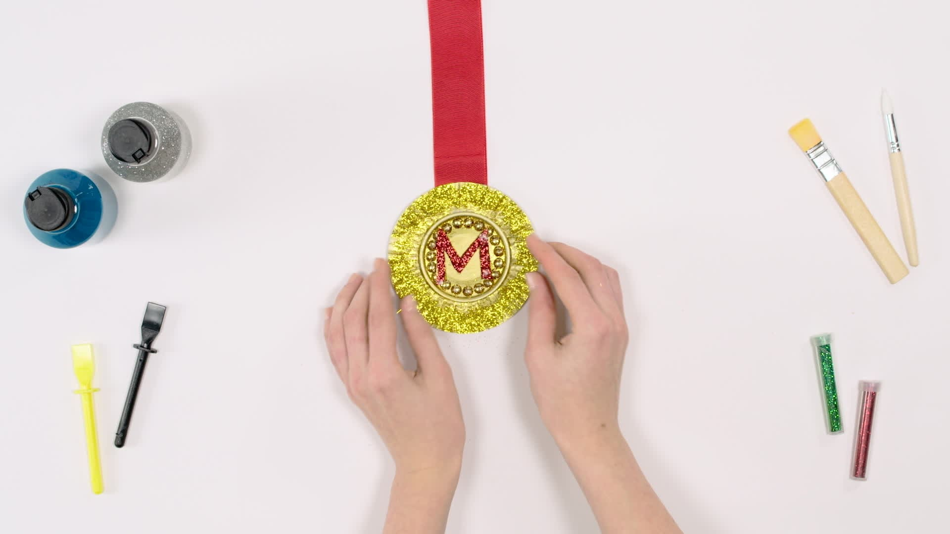 Lag en Mikke racer-medalje