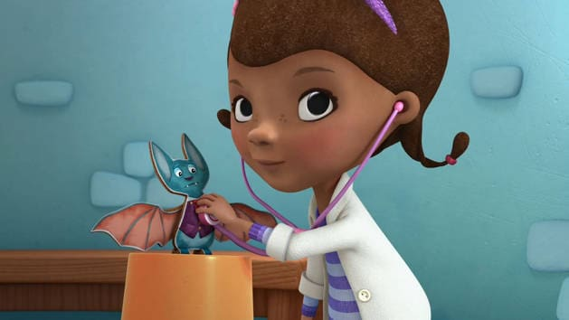 Sie macht alle Spielzeugpatienten wieder gesund - Disney Junior