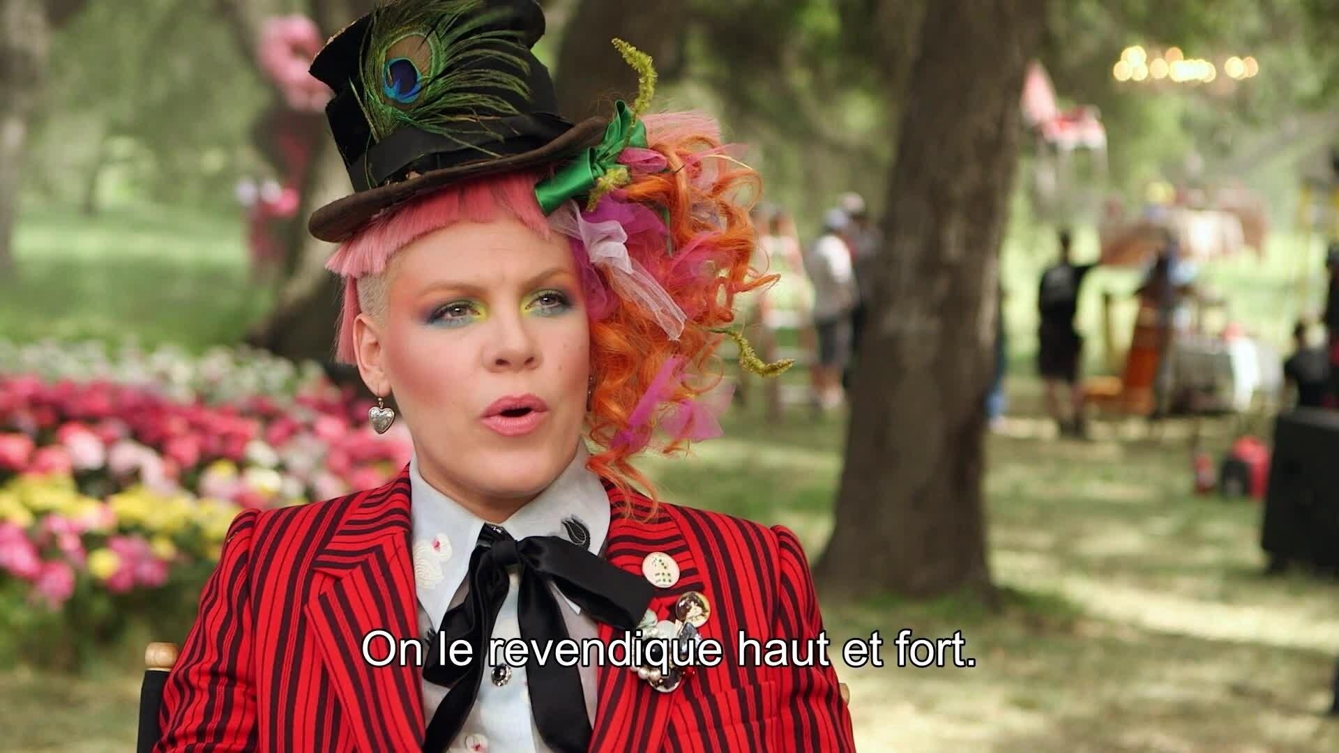 Alice de l'Autre Côté du Miroir - Reportage : Just Like Fire de P!nk