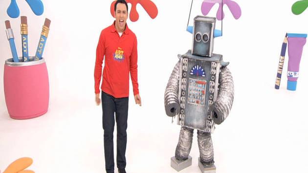 Art Attack Robot Teaser