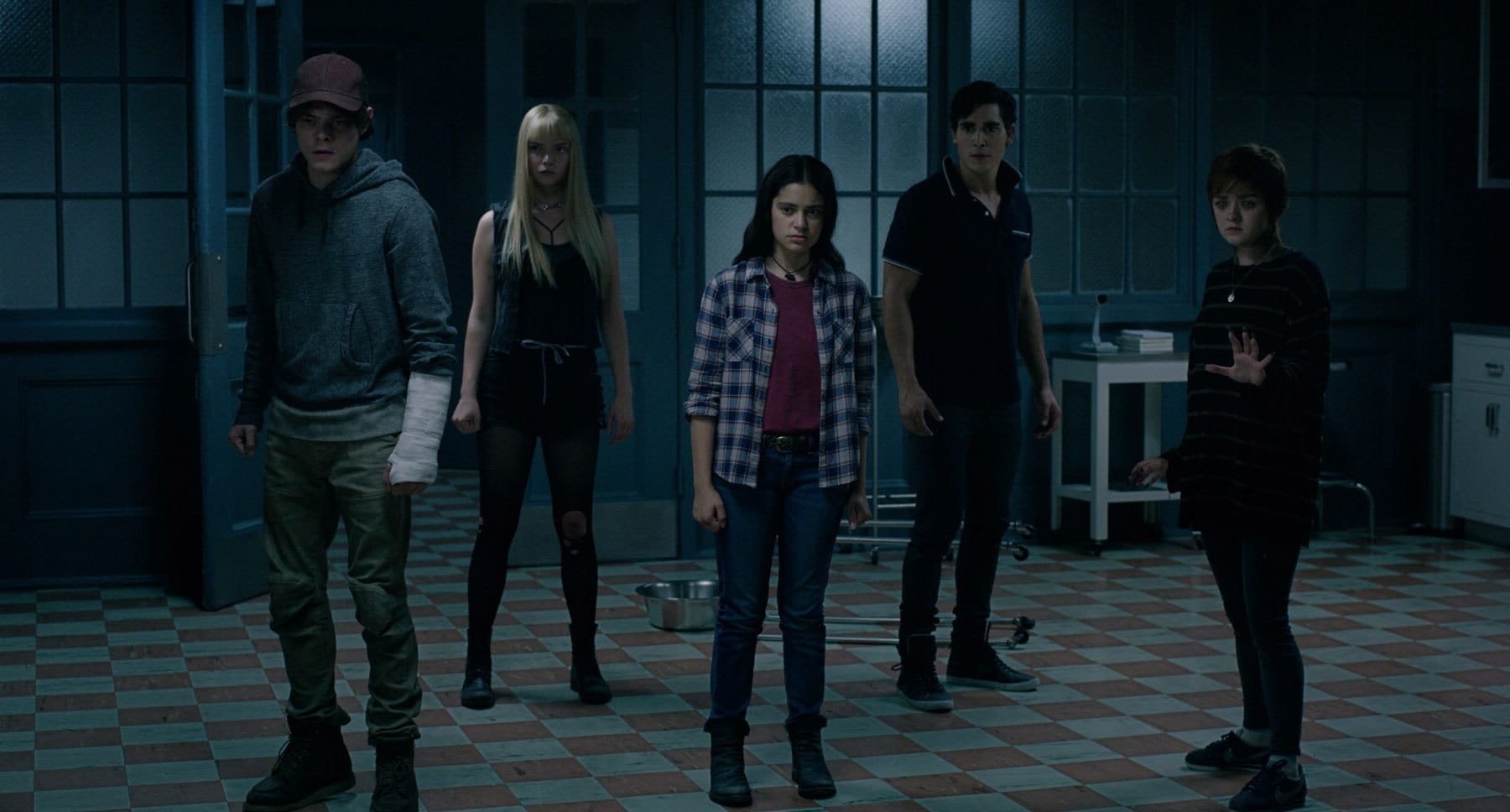 "Actors Maisie Williams, Anya Taylor-Joy, Charlie Heaton, Henry Zaga and Blu Hunt in the movie ""The New Mutants"""