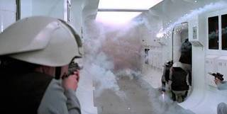 Stormtroopers abordam a Tantive IV