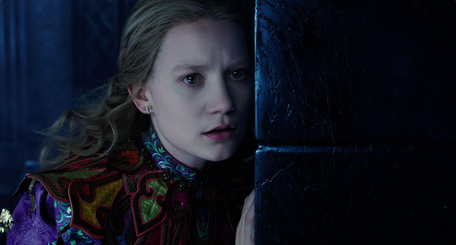 Alicia a través del espejo – Nuevo tráiler