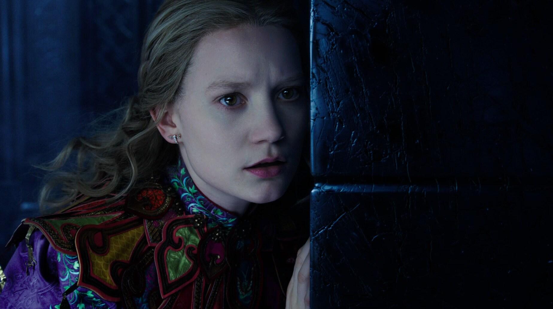 Alicia a través del espejo – Tráiler