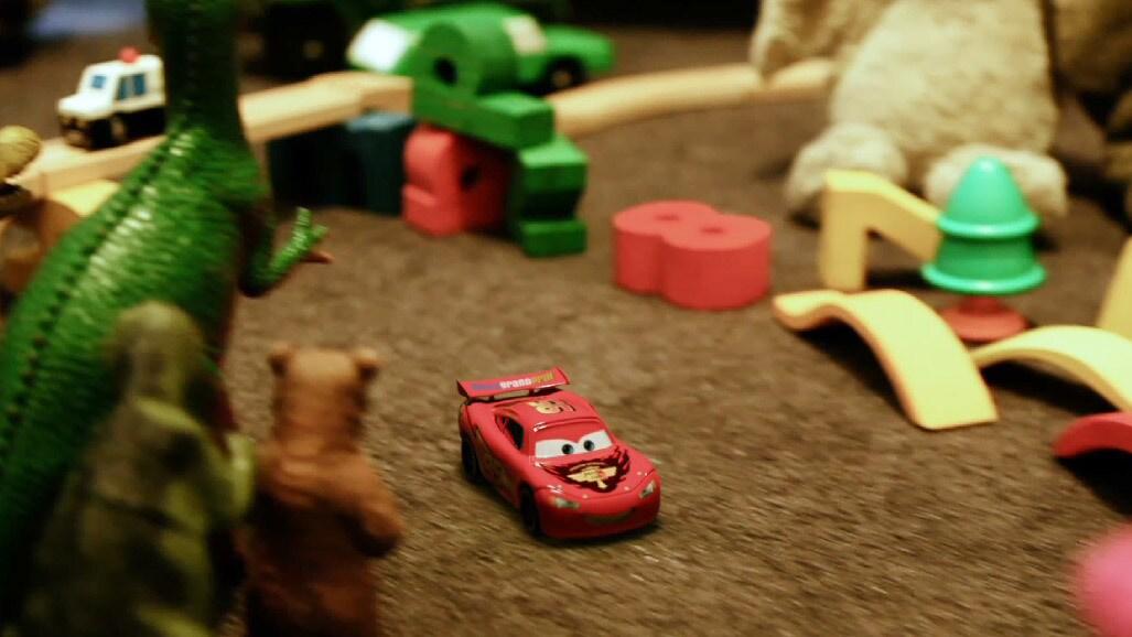 Hai... în camera jucăriilor
