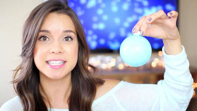 DIY Frozen-Inspired Ornament - MissGlamorazzi