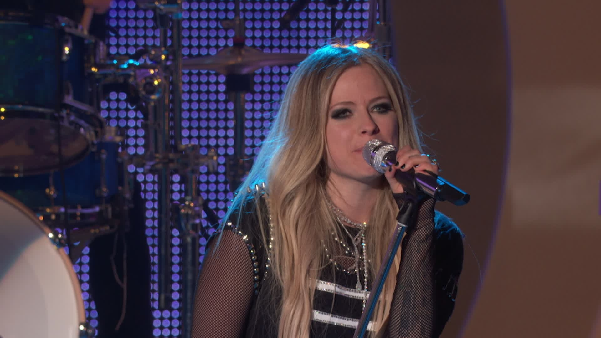"Avril Lavigne ""Sk8er Boi,"" ""Complicated,"" ""Head Above Water"" & ""Dumb Blonde"" 