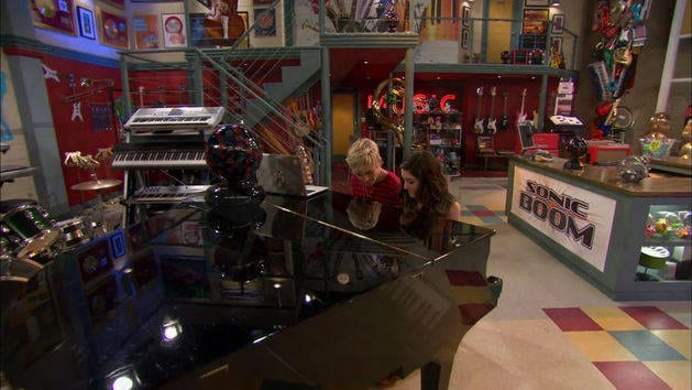 """Break Down the Walls"" - Austin e Ally"