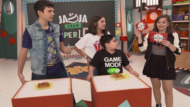 Ja Ja Show Super Lol: El Challenge 8 - Karla Y Manuel (Abrelotoys)