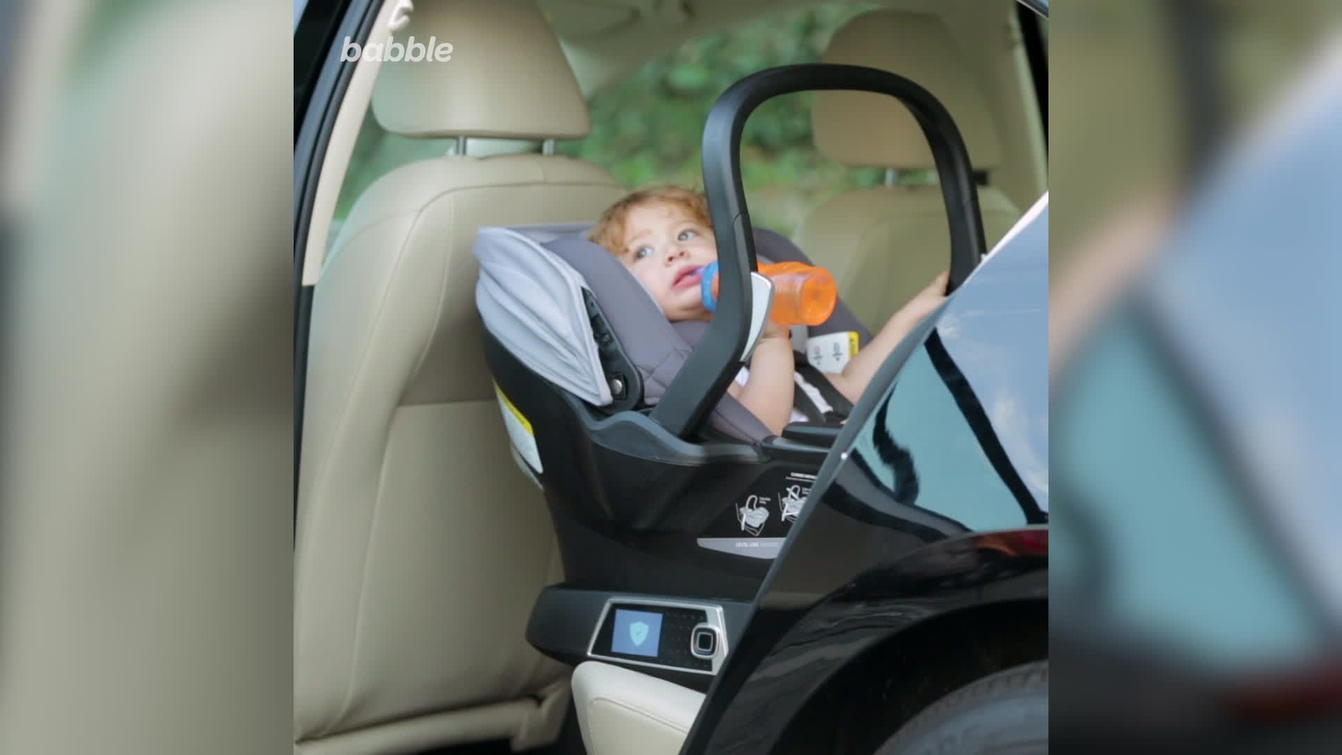 This New 4Moms Self-Installing Car Seat Is Helping Parents Everywhere Breathe Easy