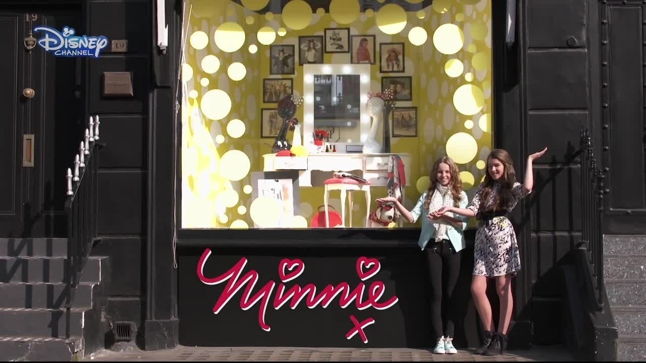 Modowe wyzwanie Minnie - Wystawa sklepowa