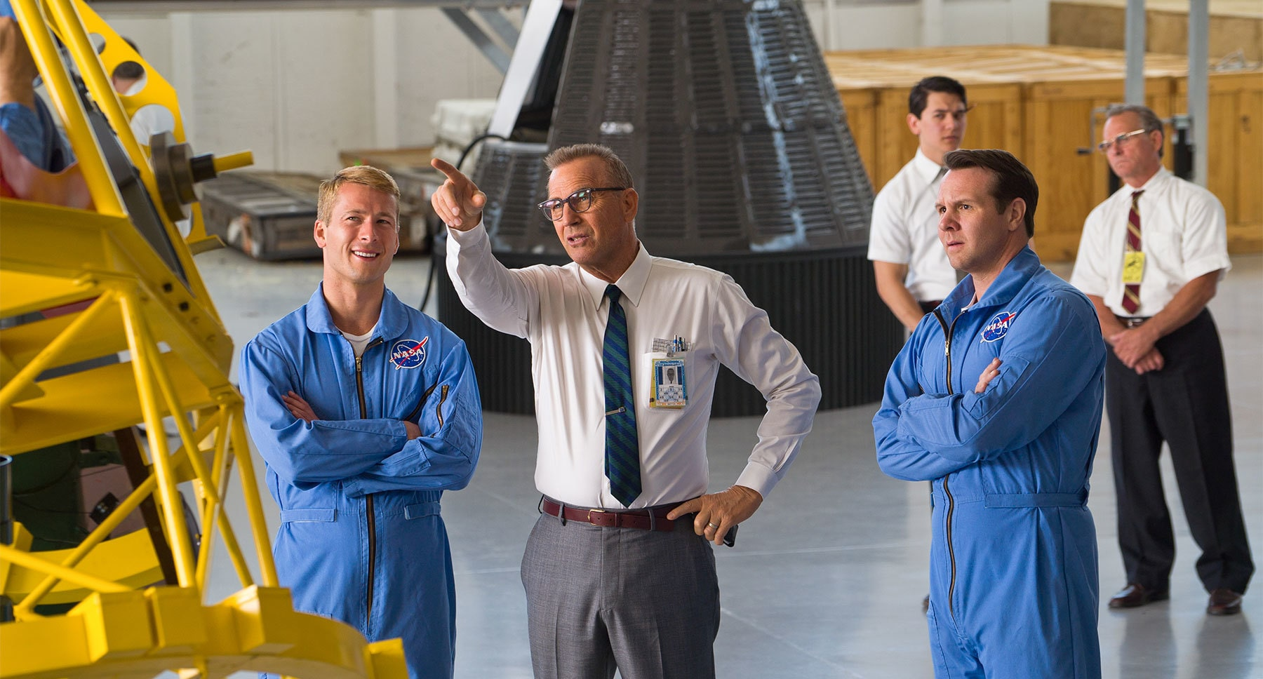 "Actor Kevin Costner with Nasa astronauts in the movie ""Hidden Figures"""