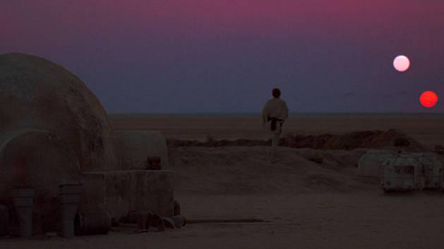 Star Wars - Luke ser på solnedgangen på Tatooine