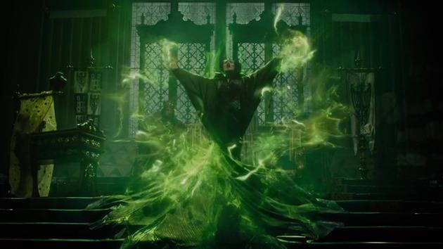Bringing the Curse to Life - Maleficent BTS Featurette