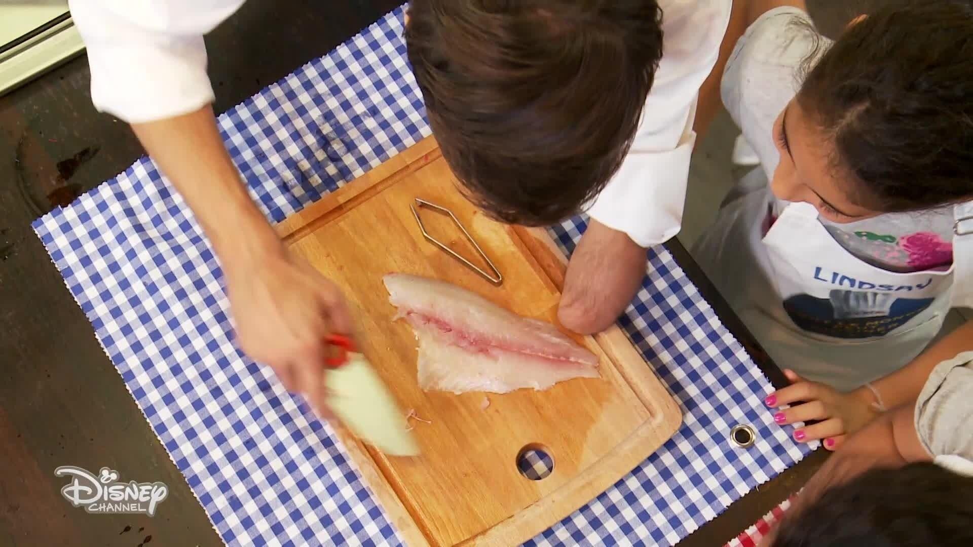 Le ceviche de daurade de Lindsay et Carla - Chez Rémy Tout Le Monde Peut Cuisiner - Partie 2