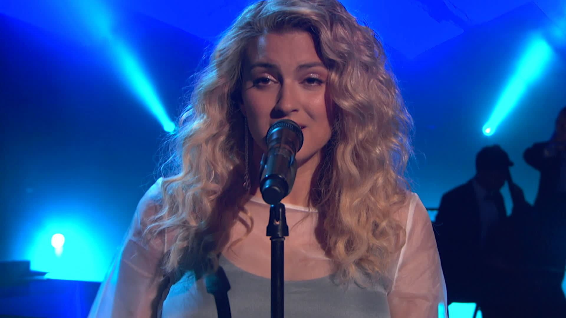 Tori Kelly Part of Your World (from Disney's The Little Mermaid) | ARDYs: A Radio Disney Music Celebration