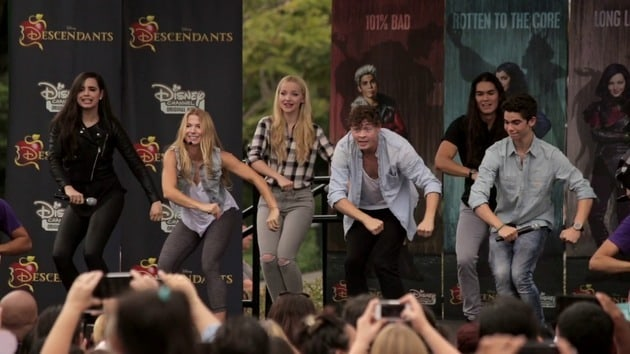 How to Dance to 'Set It Off' from Descendants   Oh My Disney