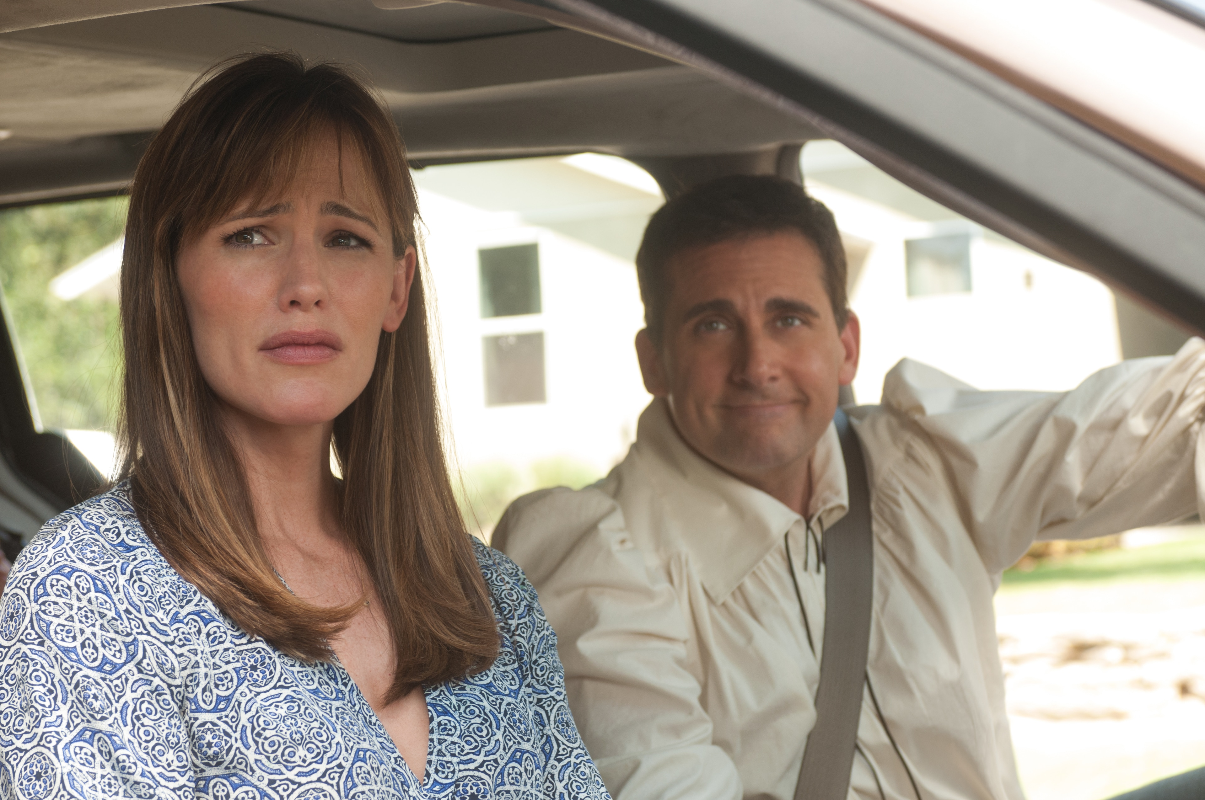 Kelly Cooper played by Jennifer Garner  and Ben Cooper played by Steve Carrell  in a car