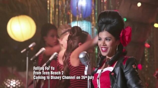 "Teen Beach 2 | มิวสิควิดีโอ ""Falling For You"" | ดิสนีย์ ชาแนล ออฟฟิเชียล"