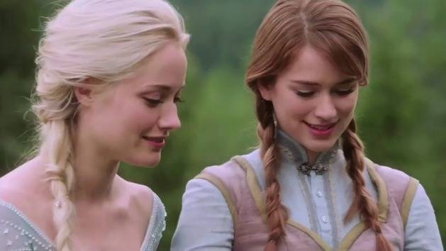 Meet Anna And Elsa From Once Upon A Time Oh My Disney