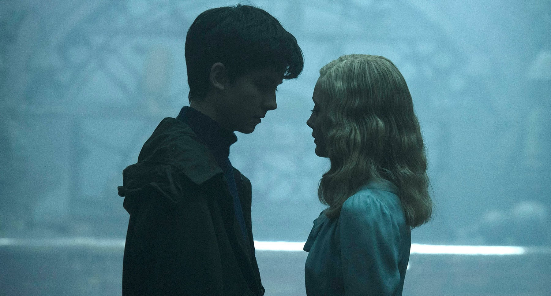 "Actors Asa Butterfield (as Jake) and Ella Purnell (as Emma) in the movie ""Miss Peregrine's Home for Peculiar Children"""