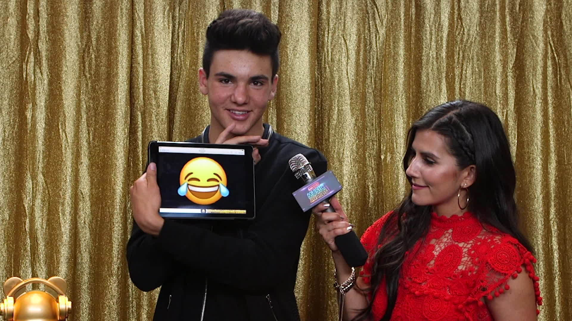 RDMA Emoji Challenge | Radio Disney Music Awards