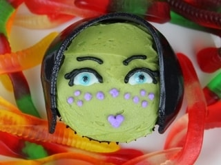 Barriss Offee Cupcakes (With Hidden Brain Worms!)