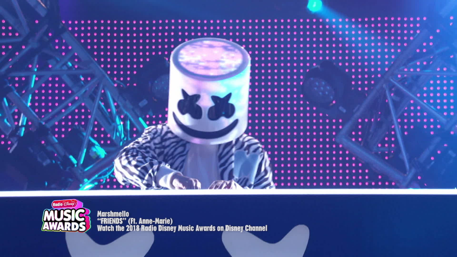 "Marshmello ""FRIENDS"" (Ft. Anne-Marie) 