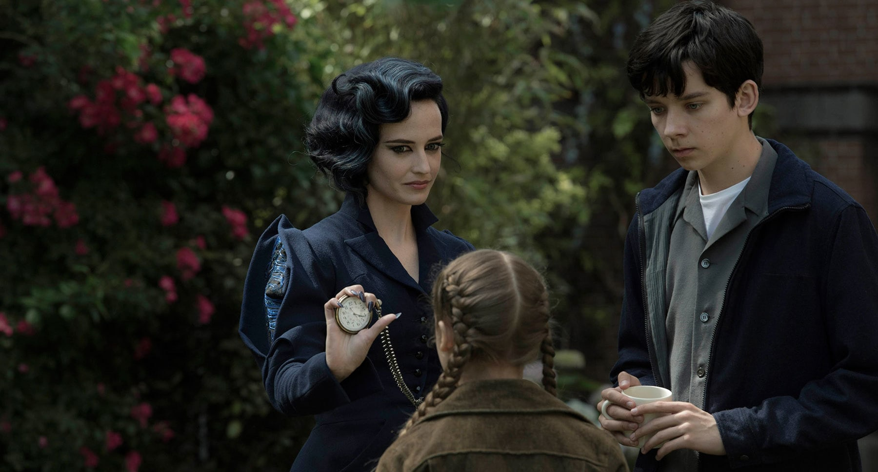 """Actors Eva Green (as Miss Peregrine), Georgia Pemberton (as Fiona) and Asa Butterfield (as Jake) in the movie """"Miss Peregrine's Home for Peculiar Children"""""""