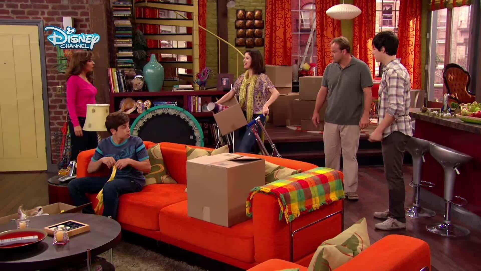 Die Zauberer vom Waverly Place - Familie Russo beim Aufräumen