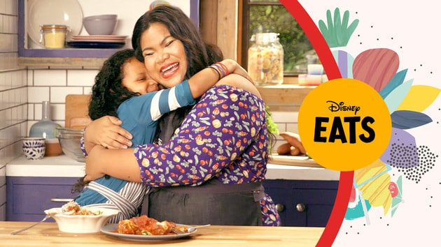 Chef Jen and Naomi Make Zoodles with Meatballs | | Kitchen Little: Disney Eats Edition