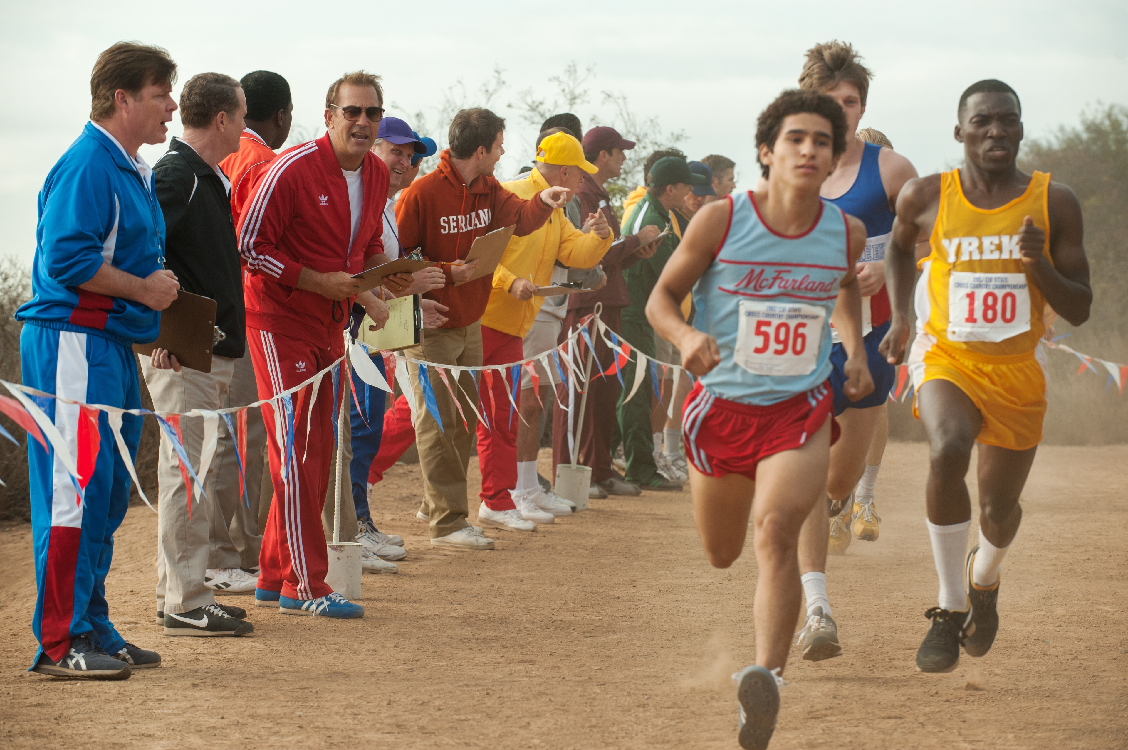"""Carlos Pratts as Thomas Valles running in a race in """"McFarland, USA"""""""