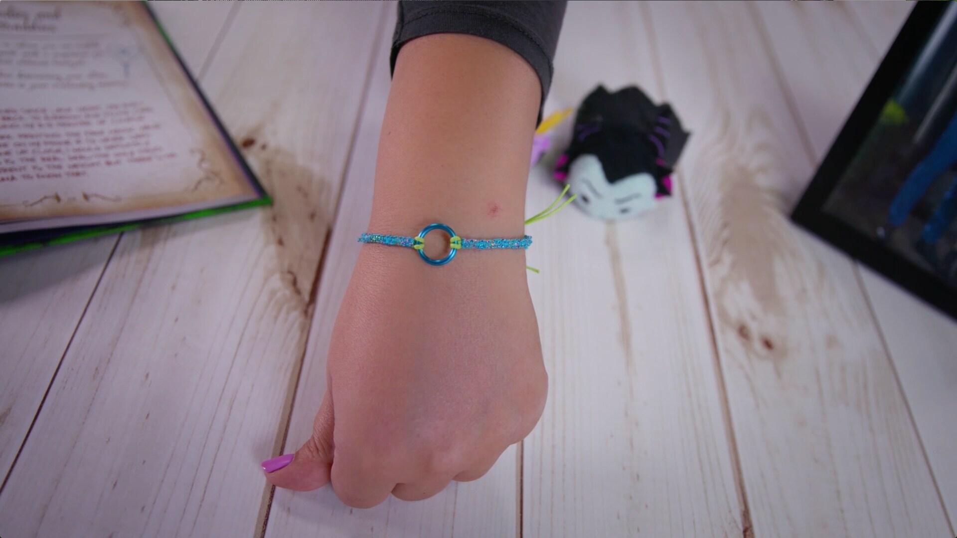 Quer uma pulseira da amizade ao estilo da Mal e da Evie? - Descendentes 2