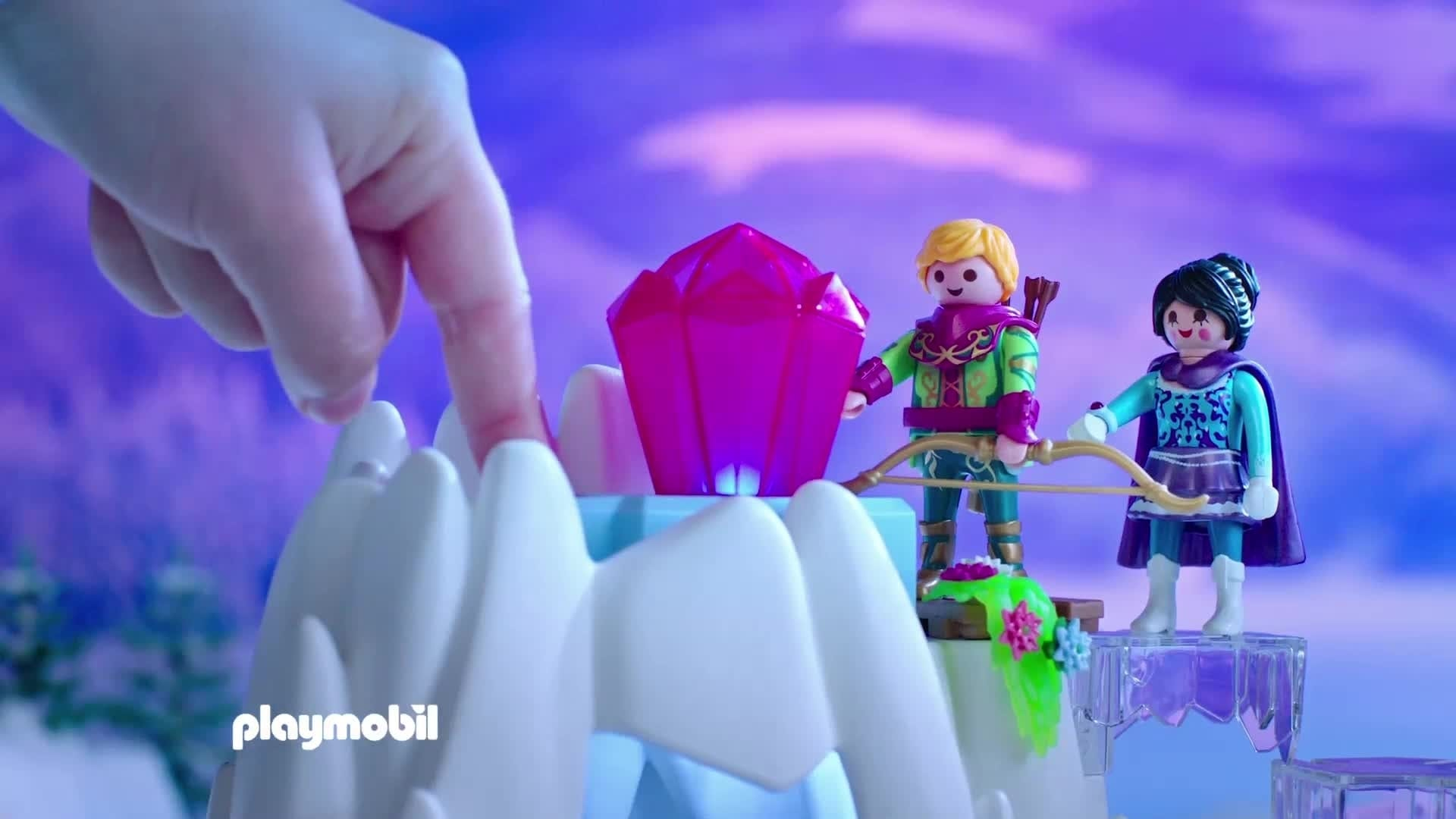 Das magische Heim der Schneekönigin und ihrer Enkelin Finya