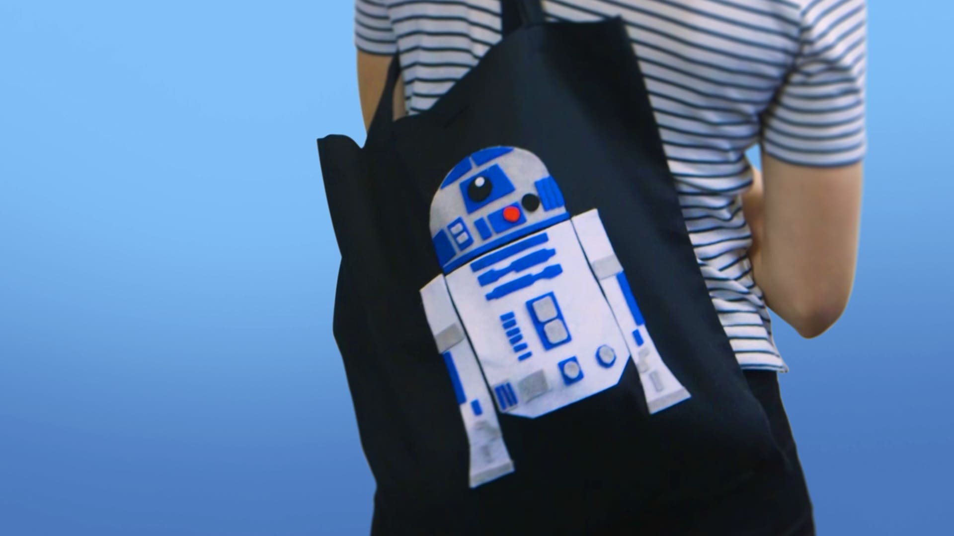 DIY: Star Wars BB-8 And R2-D2 Tote Bags