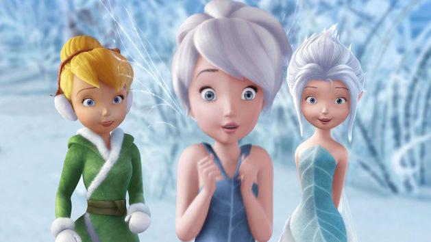 Deslizándose por el hielo - Tinker Bell