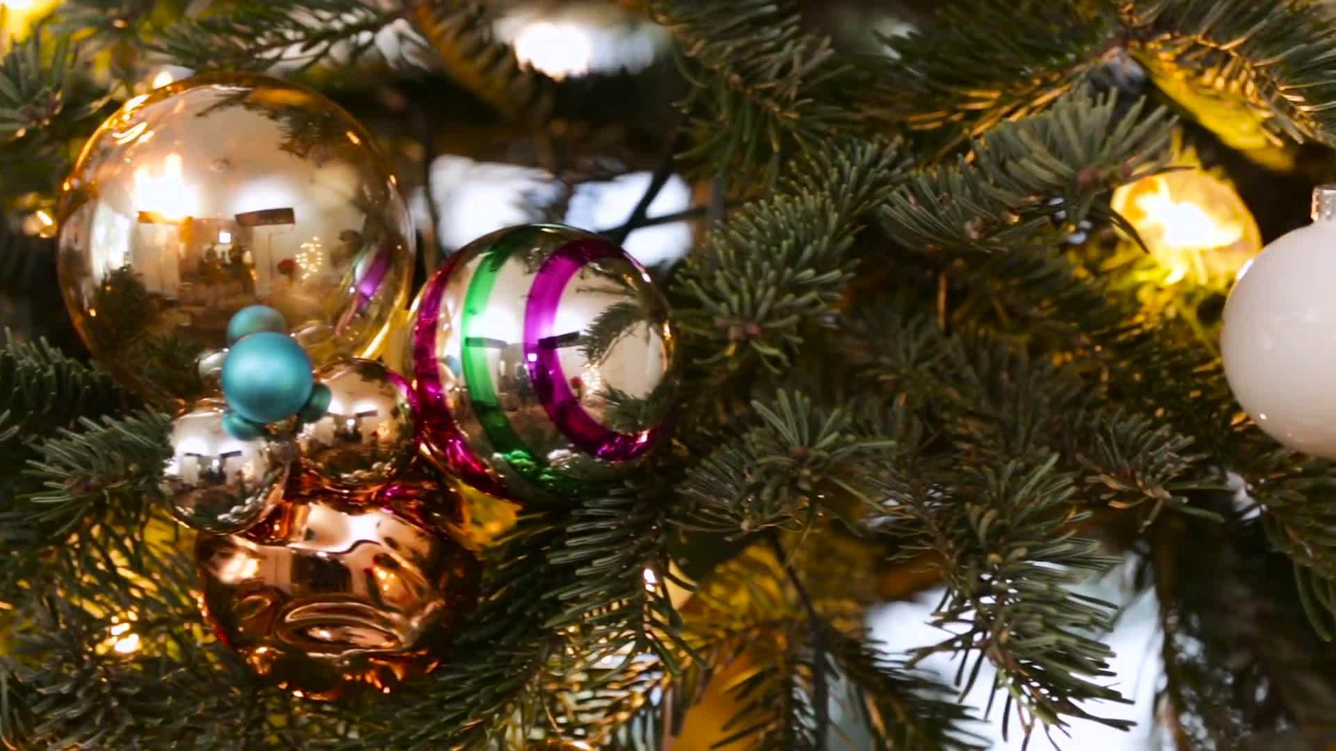 Be Our Guest: How To Next Level Your Christmas Tree | Disney Style