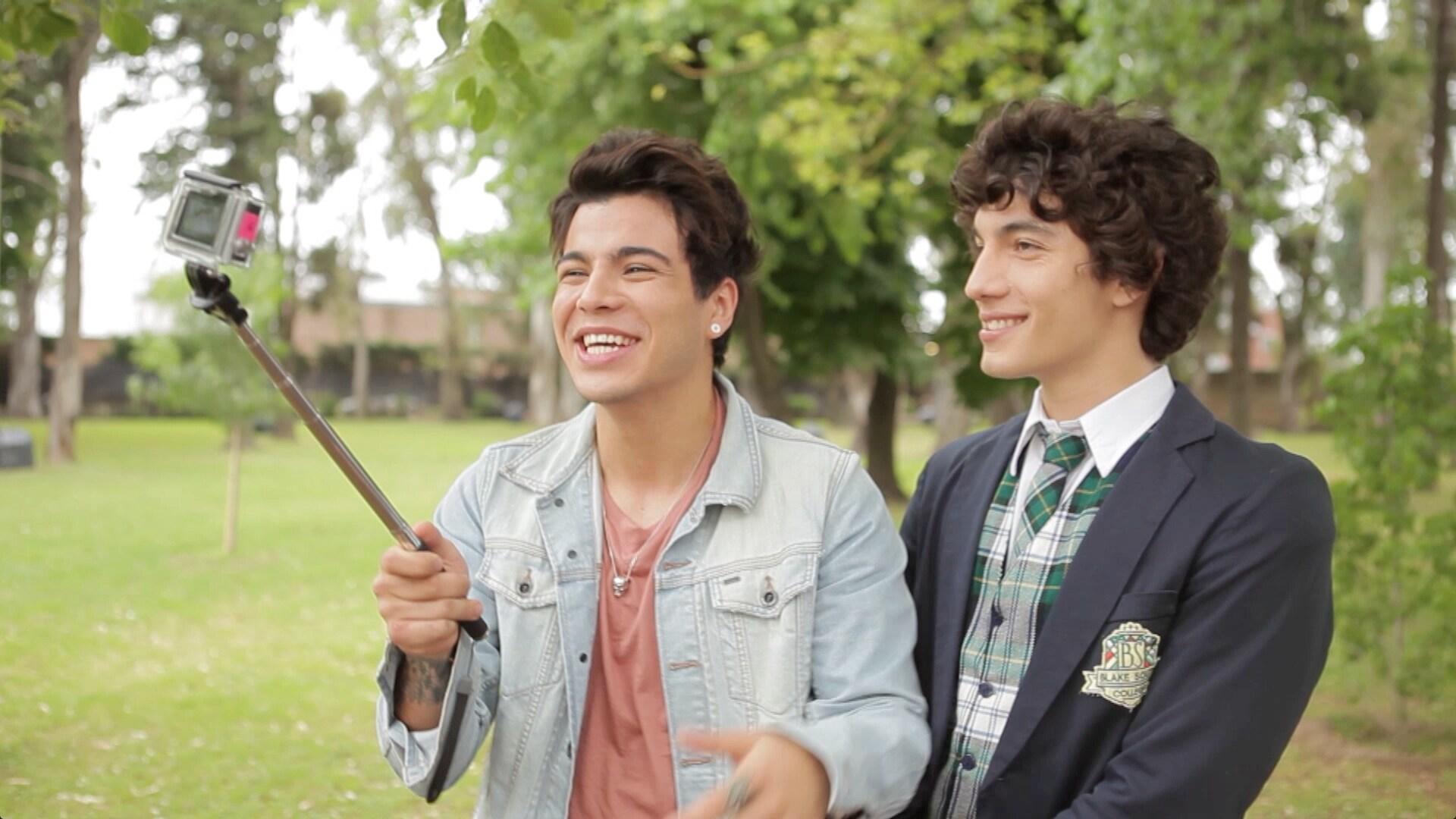 ¡Sebastián Villalobos desafía a los chicos de Soy Luna! - Soy Luna Challenge