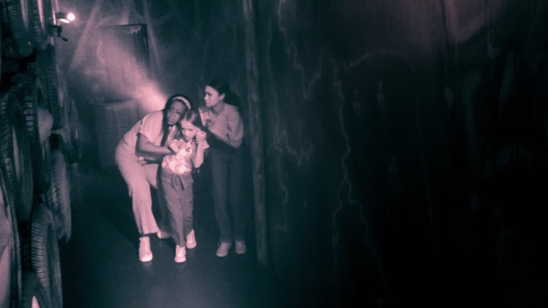 Kylee, Carla & Kingston Tour a Haunted Maze!