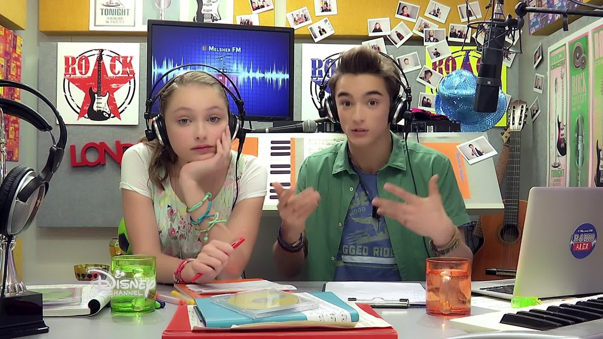 Alex & Co - Radio Alex 38 : Invitée Emma - Les voyages scolaires