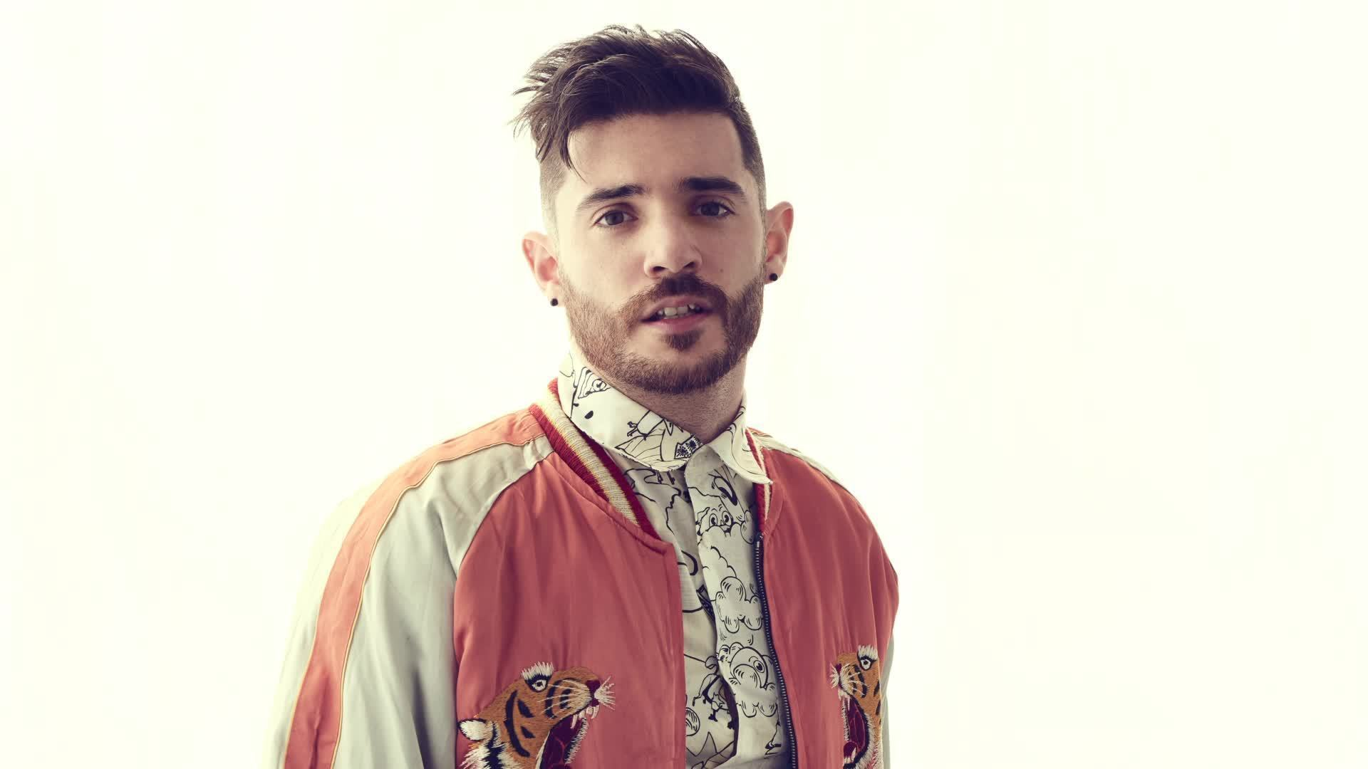 "Jon Bellion ""Overwhelming"" - Radio Disney Music Mailbag"