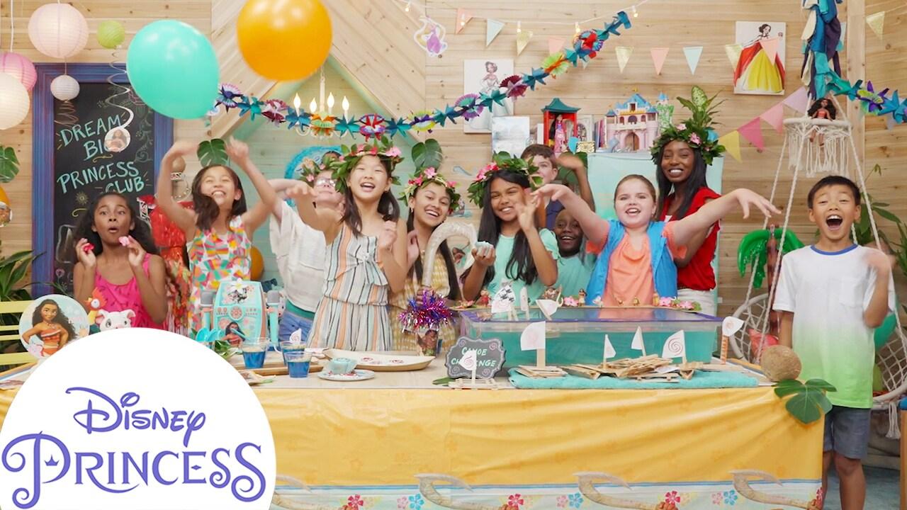 How to Throw a Moana Party! | Disney Princess