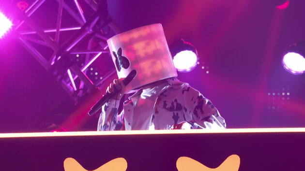 marshmello alone 2018 radio disney music awards