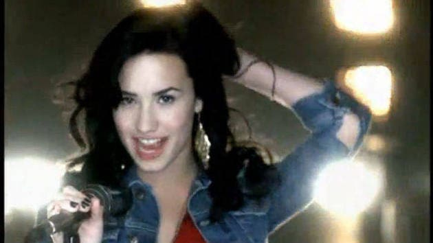 It's On - Cast of Camp Rock 2